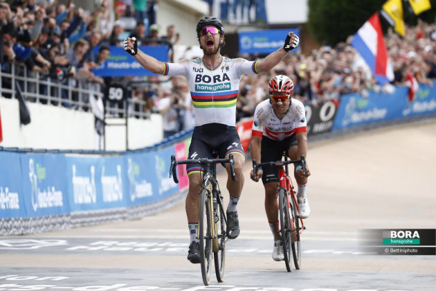 Sagan's stunning win on the legendary boards of the Roubaix velodrome. Image: Bora-hansgrohe