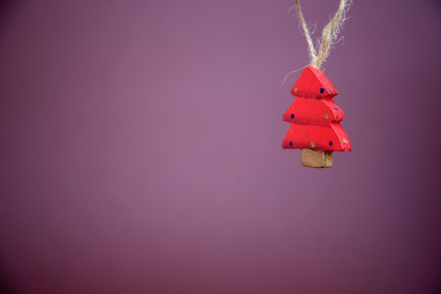 christmas-tree-decoration-on-purple.jpg