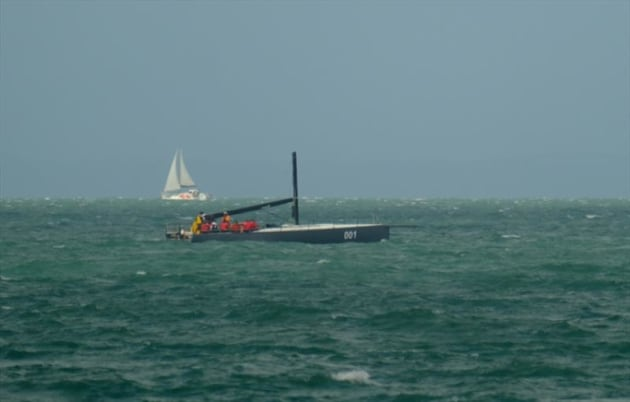 Ichi Ban after-losing-her-rig---Mitchell-Pearson/Surfsailkite-pic