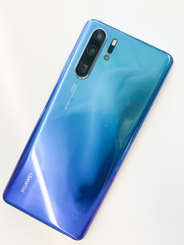 The striking finish of the 'Aurora' P30 Pro.