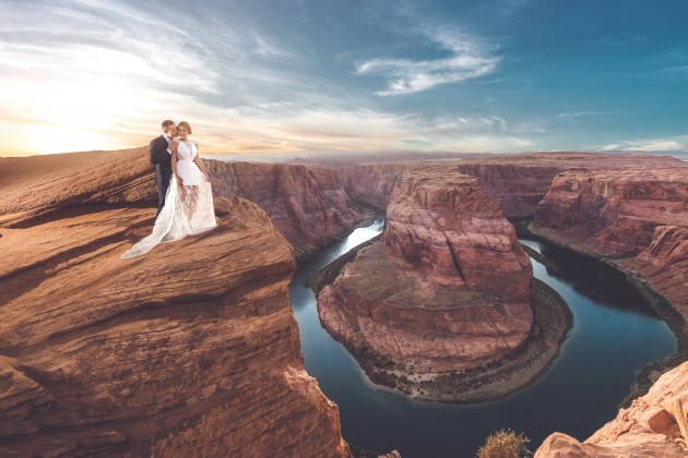 © Jimmy Bui. Pre-wedding shoot at Horseshoe Bend, Arizona.