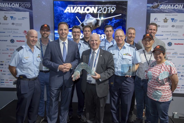 Former Minister for Defence Industry Steve Ciobo with the RAAF, DST and Defence Innovations NIFTI team after winning the Avalon 2019 National Innovation Award. 
