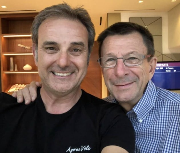 Paul Sherwen with SBS commentator & presenter Michael Tomolaris. Image: Twitter.
