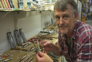 Woodworkers turn pens for the troops