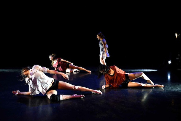 Tiana Lung, Courtney Raftry, Kristina Richmond and Maddie Tratt performing A Memory - Ev+Bow.