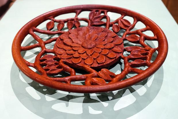 Red cedar platter, John Unwin.