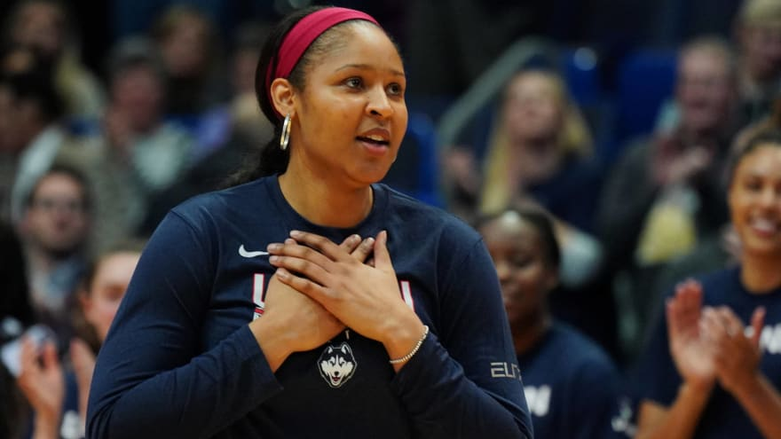 Maya Moore greeted man she helped free from prison
