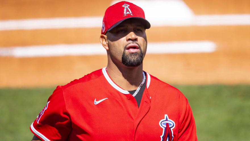 Albert Pujols clears waivers, becomes free agent