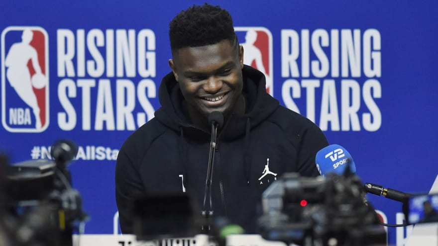 Watch: Barack Obama surprises Zion Williamson, other young NBA stars