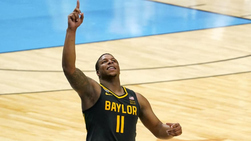 Seahawks to add ex-Baylor hoops star Mark Vital to P-squad