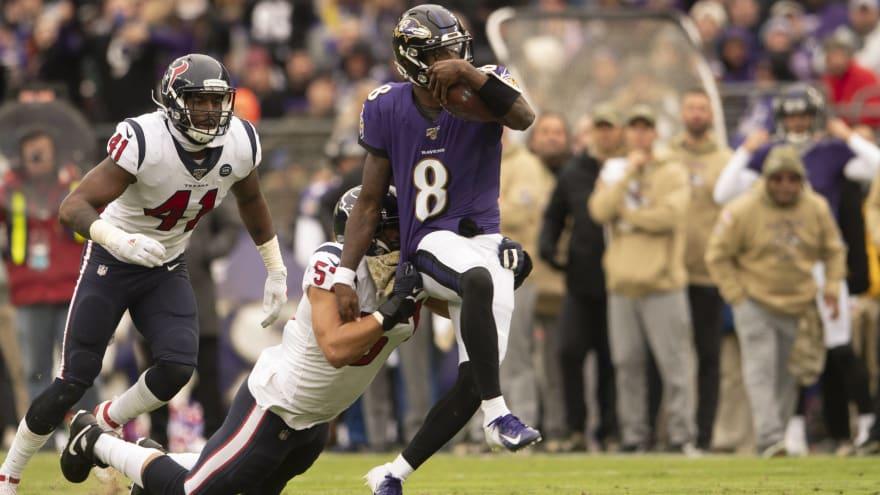 Lamar Jackson makes NFL history, passes Vick record