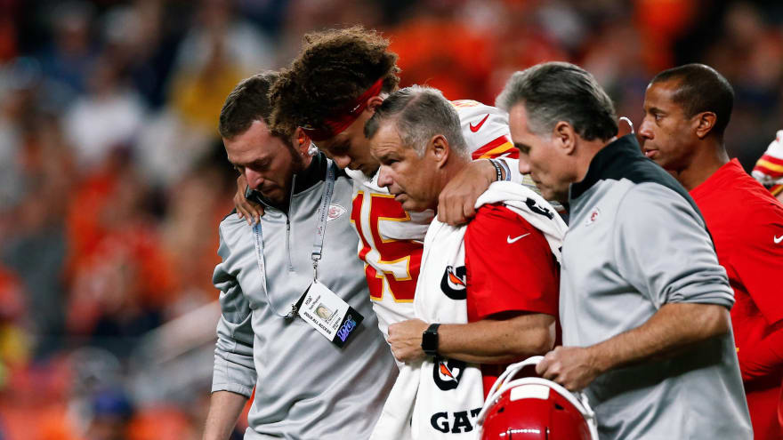 Patrick Mahomes plans to return this season after MRI on knee reveals no significant damage