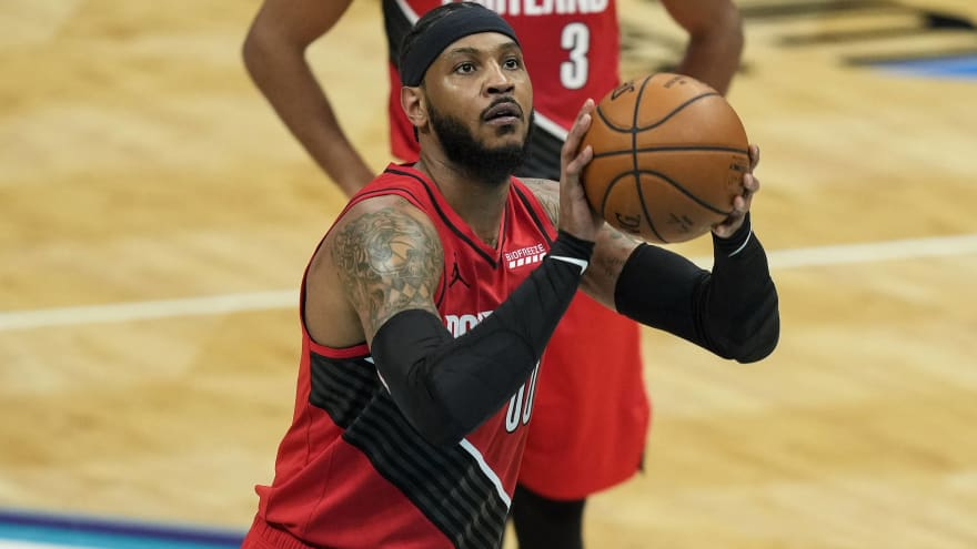 Carmelo Anthony signs one-year deal with Lakers