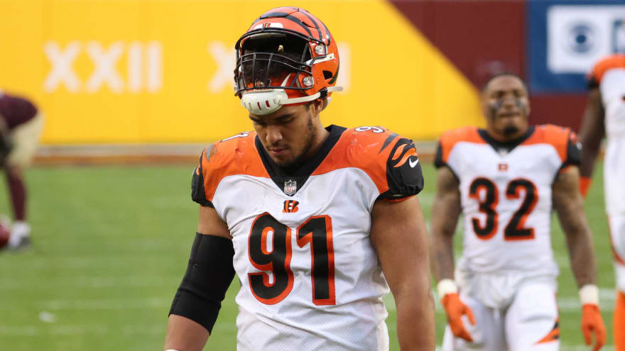 Bengals re-sign DE Amani Bledsoe to one-year deal