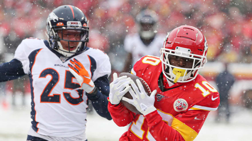 Watch: Chiefs do snow-angel celebration after Tyreek Hill's second touchdown against Broncos