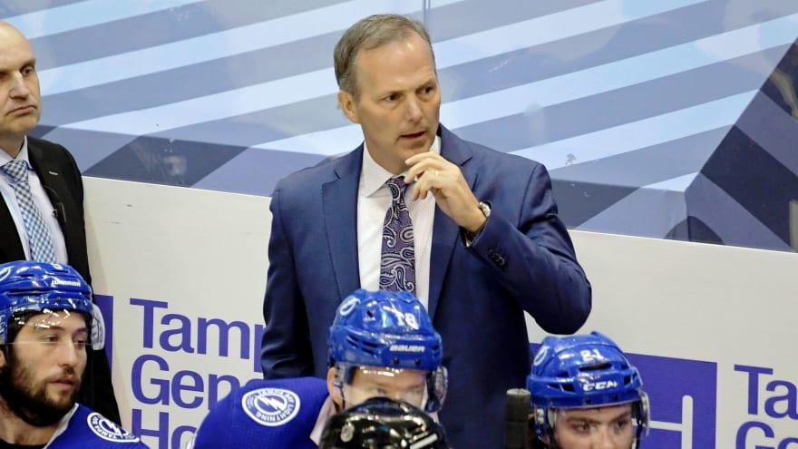 Lightning, HC Jon Cooper agree on three-year extension
