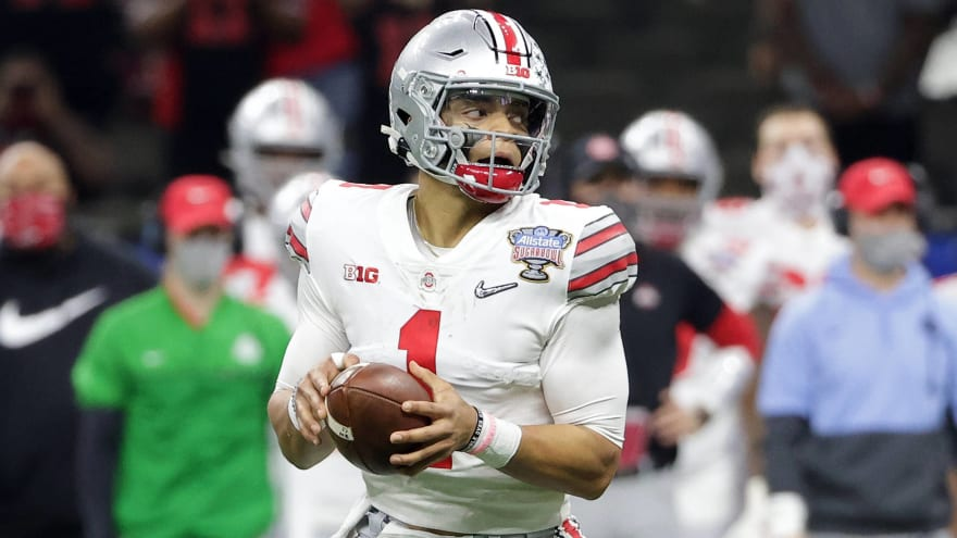 Throwing coach calls out Chris Mortensen for Justin Fields take