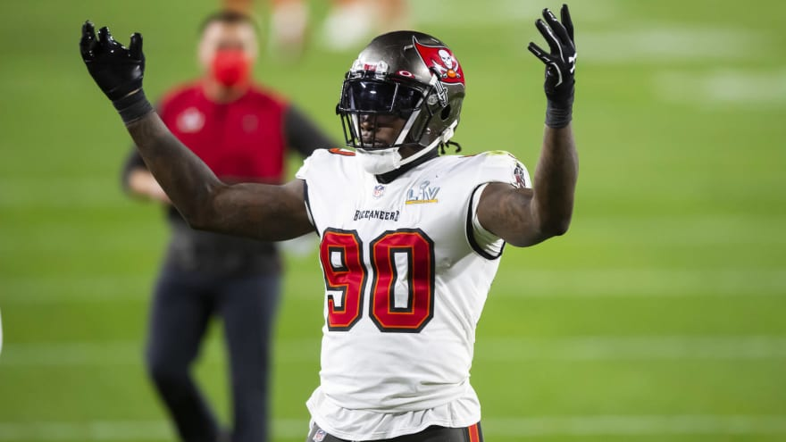 Bucs' JPP likely to be inactive vs. Rams with shoulder injury