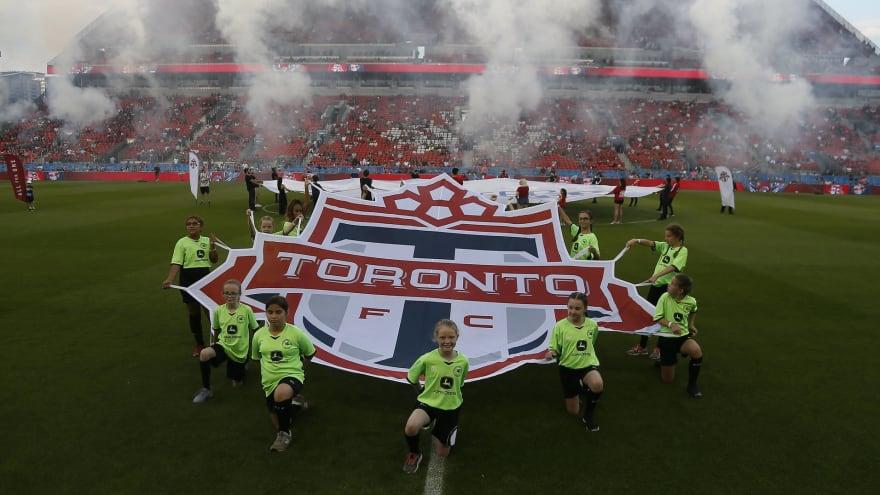 Toronto FC training in Orlando halted by massive alligator