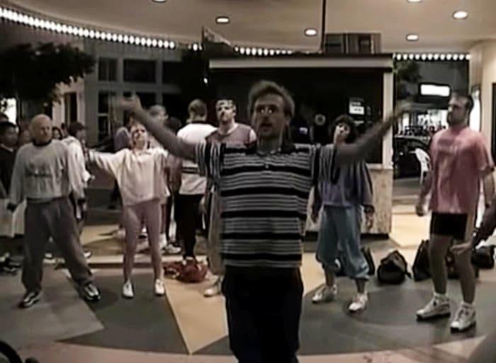 """Fatboy Slim """"Praise You"""" (1998)"""