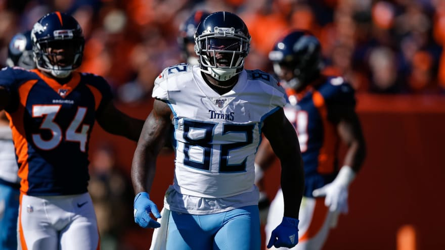 Delanie Walker hoping to sign with Super Bowl contender