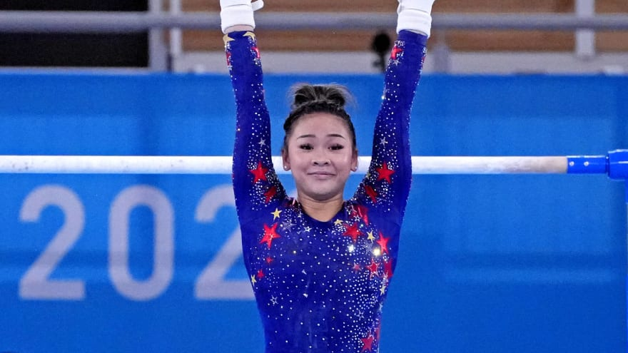 Suni Lee's father had emotional message for Simone Biles