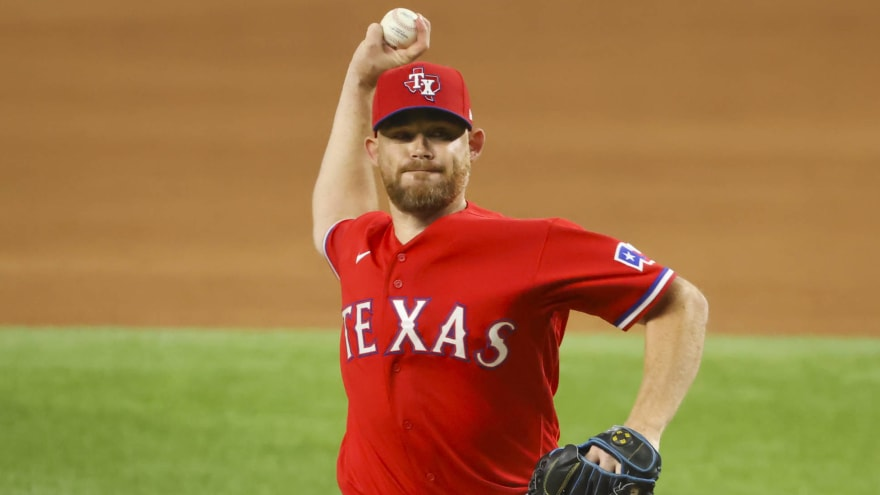 Dodgers reportedly considering Rangers reliever Ian Kennedy