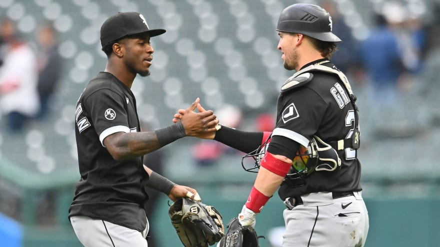 White Sox rout Cleveland to clinch AL Central title