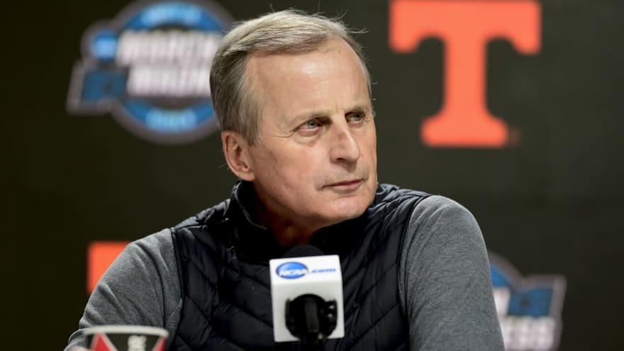 Rick Barnes admits money, buyout are reasons he remained at Tennessee