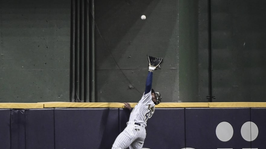 Watch: Jackie Bradley Jr. makes great catch to rob home run