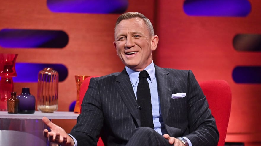 Daniel Craig gives very blunt advice for the next James Bond