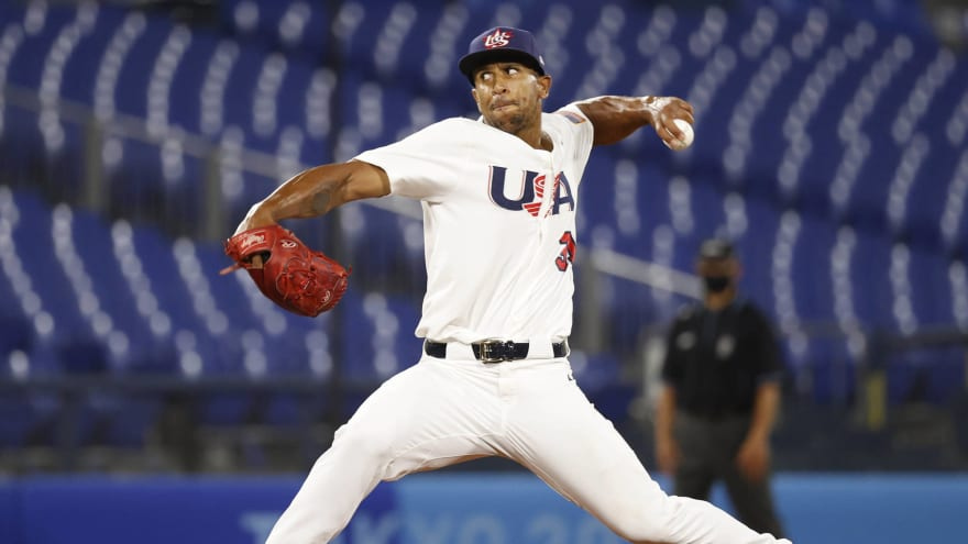 Cleveland selects contract of OF-turned-pitcher Anthony Gose