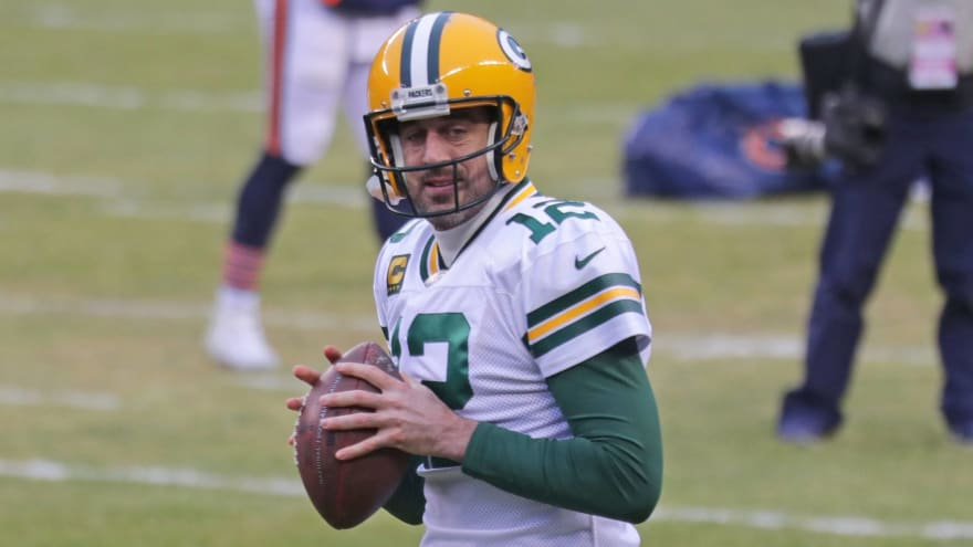 Aaron Rodgers told some teammates he doesn't plan to return?
