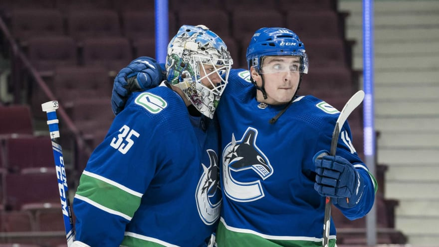 Seventeen Canucks have tested positive for COVID-19?