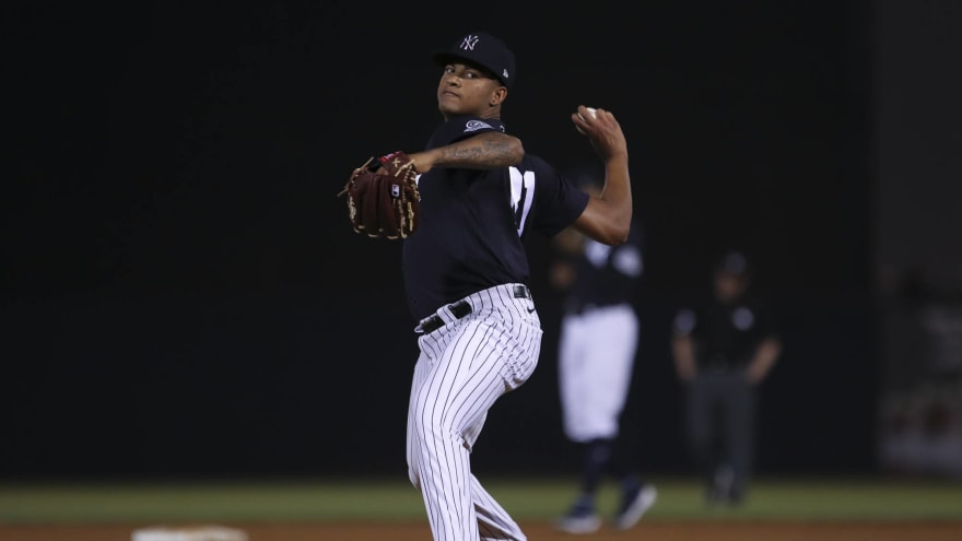 Yankees promote pitching prospect Luis Gil