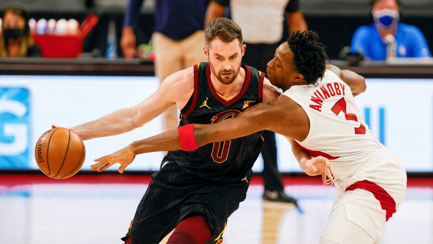 Kevin Love ducks media after throwing tantrum during loss