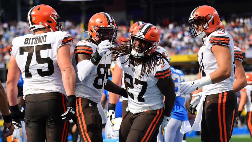Browns make wrong kind of history in loss to the Chargers