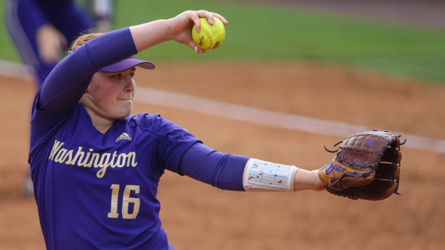 Watch: Washington softball walks out in protest of NCAA Tournament seeding