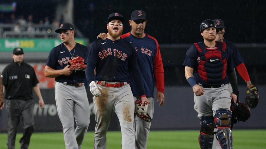 Fan who threw ball at Verdugo banned from MLB parks for life