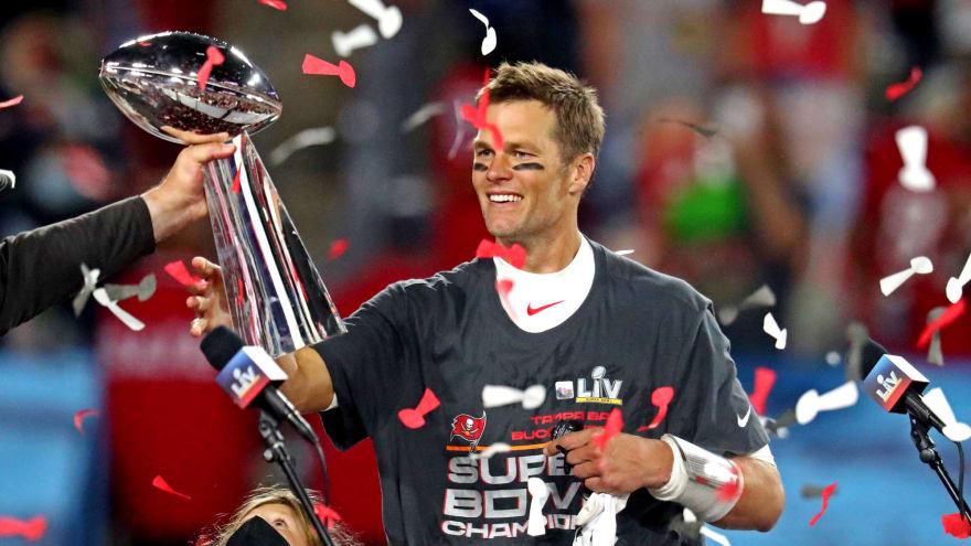 Bucs' Tom Brady confirms he underwent knee surgery