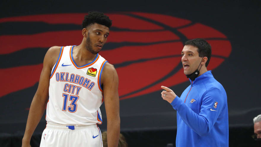 Thunder expected to make Tony Bradley unrestricted free agent