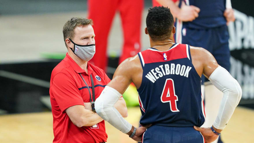 Russell Westbrook stands up for Scott Brooks amid hot seat rumors