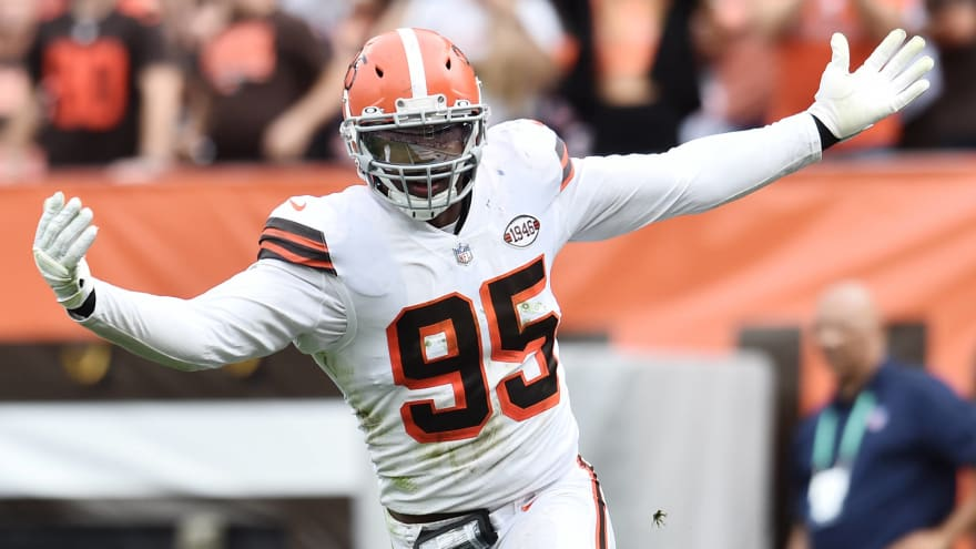 Myles Garrett sets Browns' single-game record with 4.5 sacks against Bears