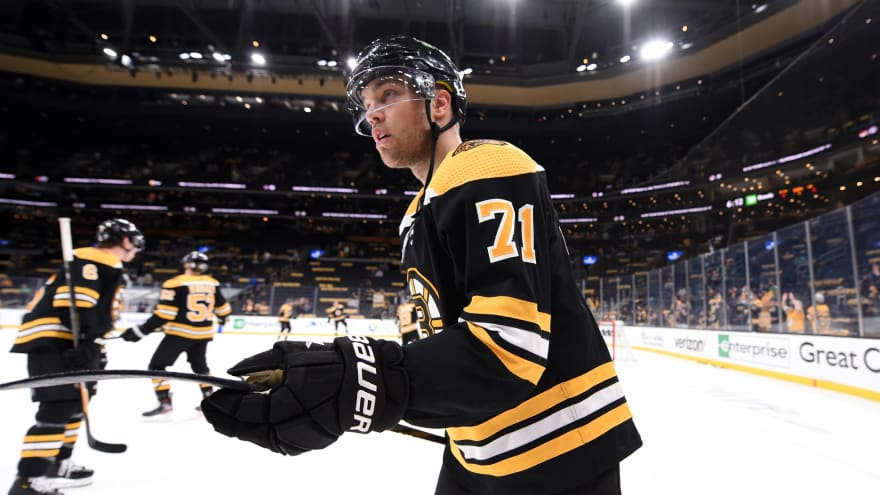 Taylor Hall, Bruins agree to four-year, $24 million contract
