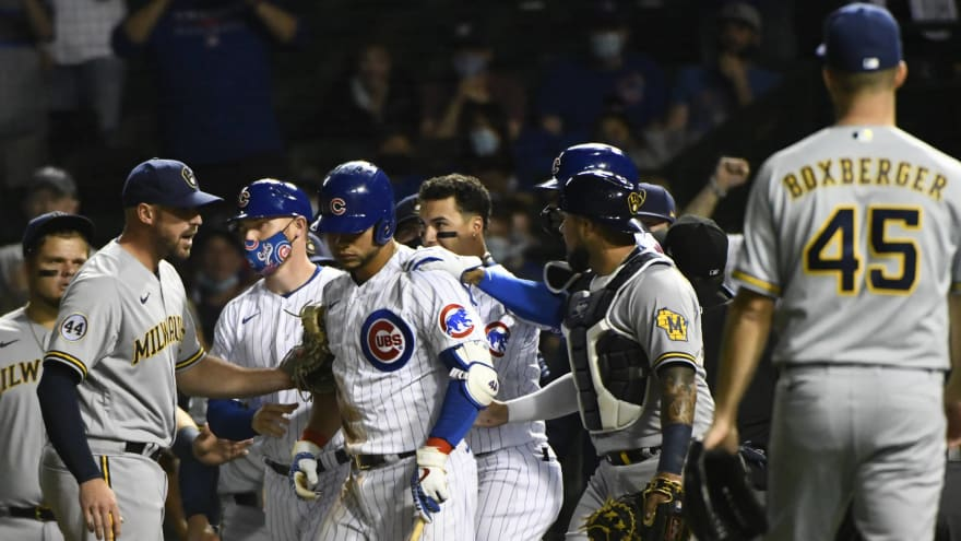 Cubs, Brewers benches clear after Cubs' Contreras hit by pitch