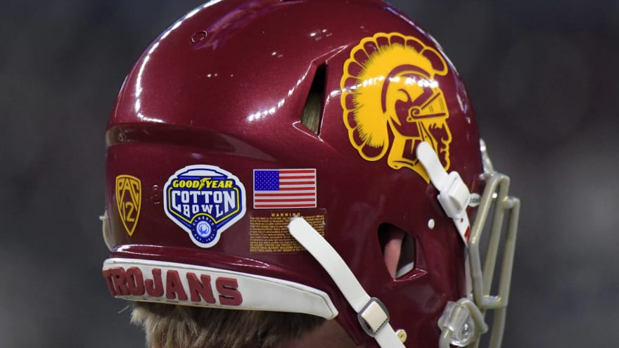 USC team plane had scary incident on tarmac before Wazzu game