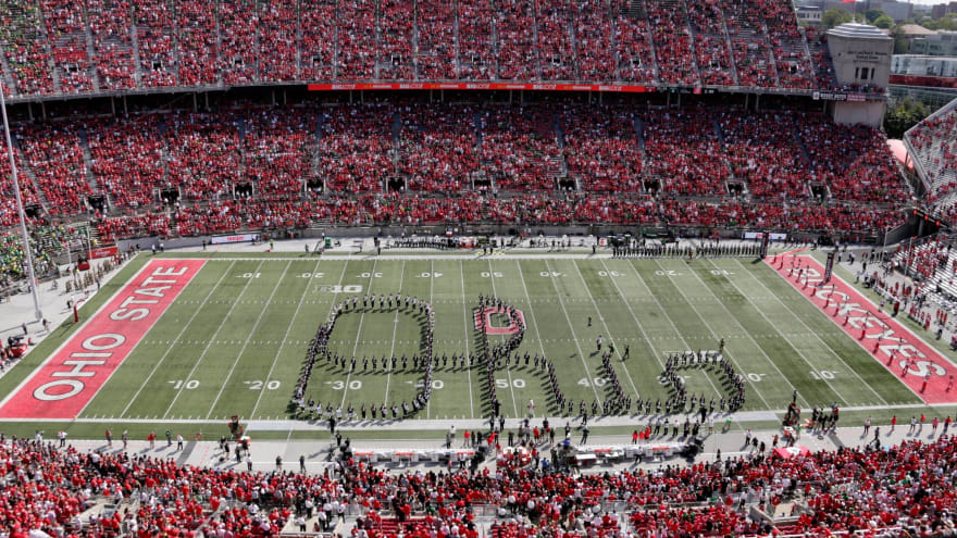 Watch: Ohio State drum major takes spill ahead of Oregon game