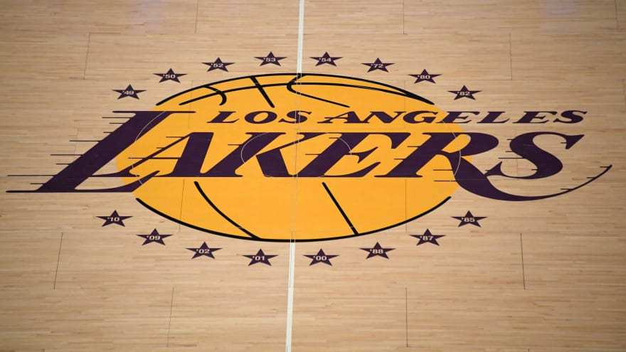 Some Lakers players to receive COVID-19 vaccine this week?