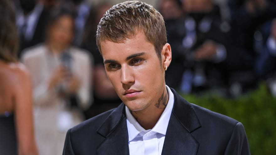 Justin Bieber to narrate NHL's season-opening doubleheader