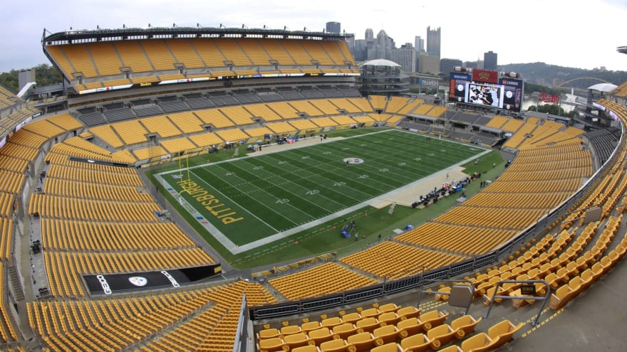 Browns-Steelers playoff crowd limited to family, friends